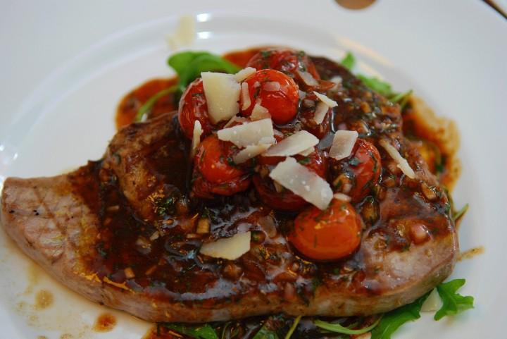 tomat, vinägrett, tonfisk, parmesan, dill
